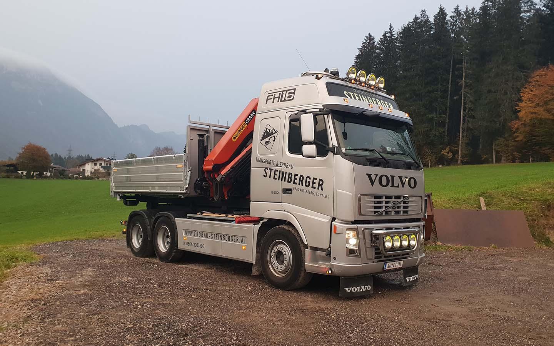 LKW Volvo 3-Achs Gesteinskipper mit Kran 19 MT